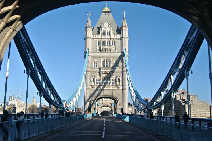 tower-bridge-london-day